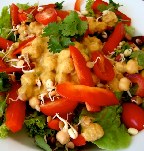 Fully assembled tandoori chickpea salad.
