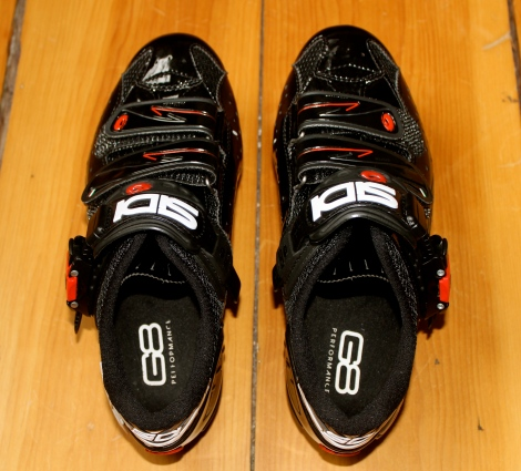 I tested the G8 Archtech 2600 PRO's in a pair of road SIDI's and a pair of Specialized triathlon shoes. I could easily switch the insoles from one pair to the other.